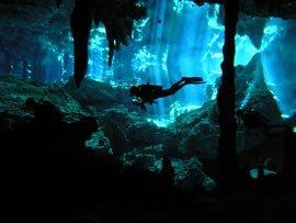 cenote dive 2